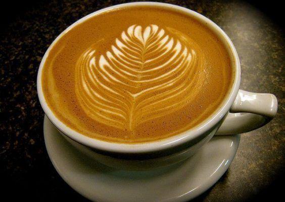 Como fazer café com espuma em casa