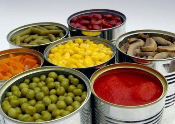 Arte com alimentos industrializados
