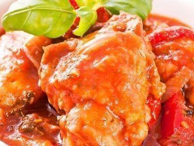 como fazer frango com molho de tomate