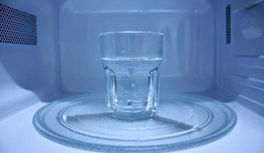 Como ferver água no micro-ondas
