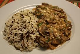 Carne com cogumelos