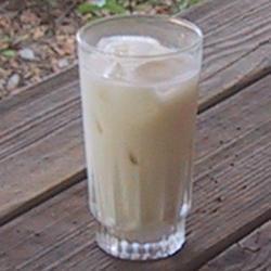 Bebida Horchata com rum