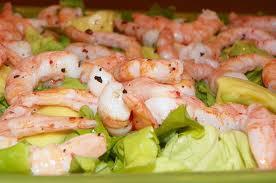 Salada de camarão com abacate