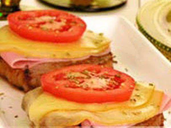 Carne com queijo e presunto