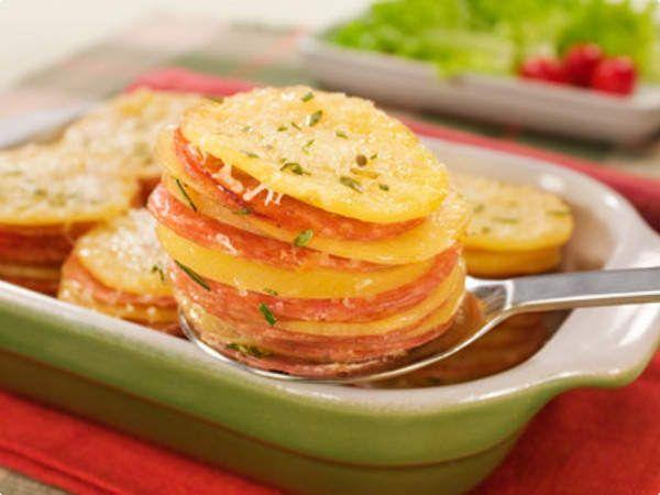 Batata gratinada com salame
