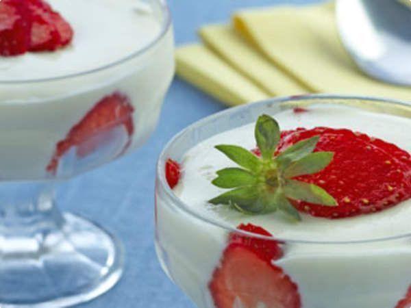 Mousse de leite em pó com morango