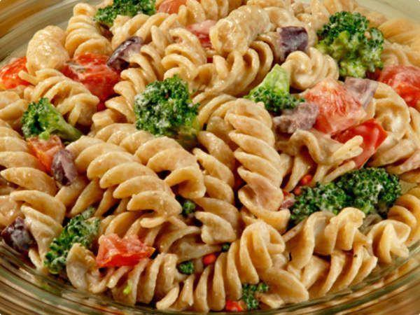 Salada prática de macarrão