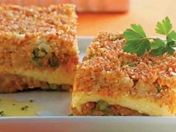 Torta de trigo com frango e legumes