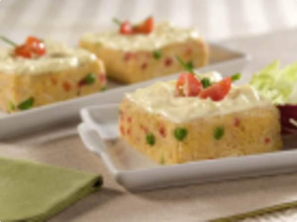 Torta simples de frango com milharina