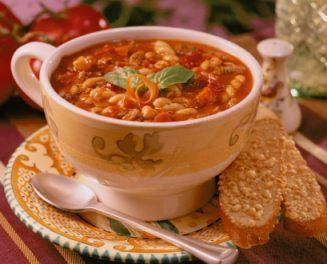 Sopa de feijão de macarrão