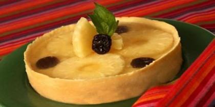 Torta de ameixa e abacaxi