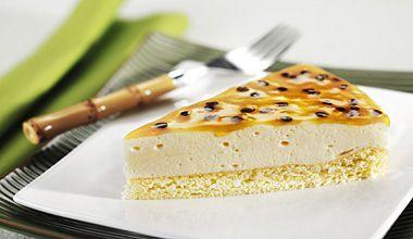 Torta Mousse de Maracujá com Creme de Leite