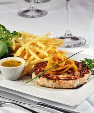 Hambúrguer de Tartar de Salmão com Maracujá