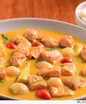 Salmão Thai com Curry, Lichias e Coco (Mae Sai)