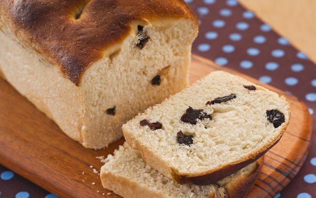 Pão de passas com cobertura de melado