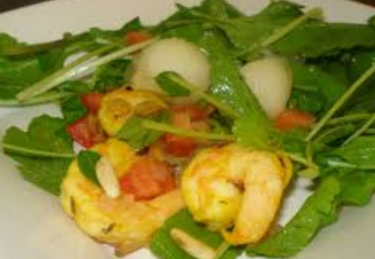 Salada de camarão com melão