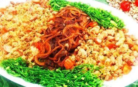 Carne com feijão tropeiro