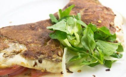 Omelete de aveia linhaca e queijo branco