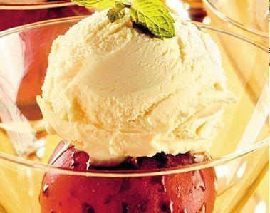 Maçã no Microondas com sorvete