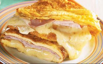 Omelete recheada com presunto