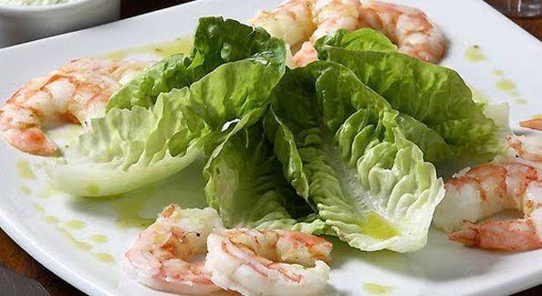 Salada de Alface Romana e Camarão