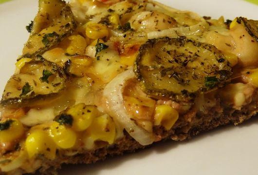 Pizza com Massa de Carne Moída