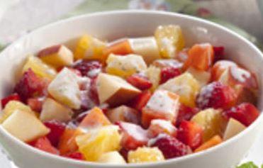 Salada de Frutas com Iogurte e Aveia