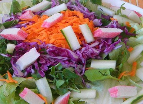 Salada com Kani-Kama