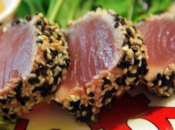 Atum Semi-cozido em Crosta de Gergelim