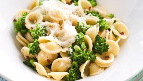 Orecchiette com brócolis