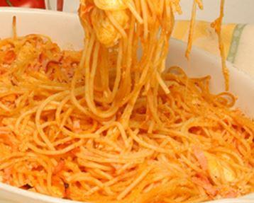 Espaguete com Queijo e Fiambre