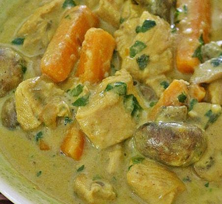 Frango com Leite de Coco ao Curry