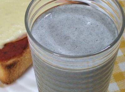 Suco de banana e gergelim