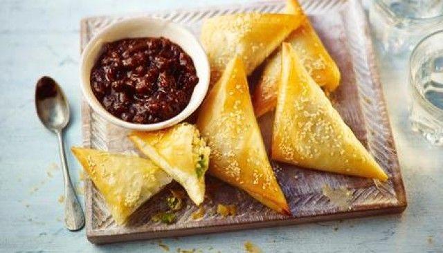 Samosas de batata fácil e ervilha