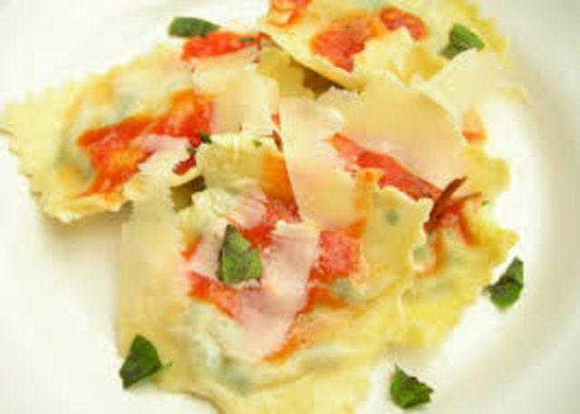 Sêmola fresca e pasta de ovos