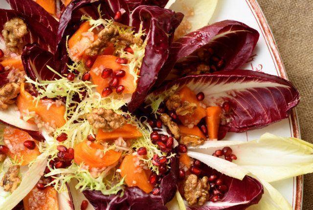 Salada com romã e nozes
