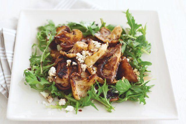 Cogumelos assados com queijo ricota
