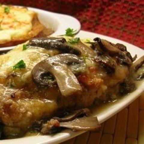 Frango com cogumelos e queijo
