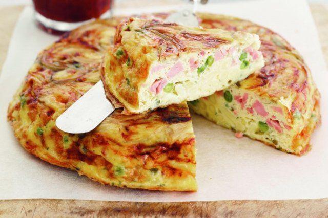 Fritada simples de presunto, queijo e ervilha