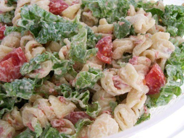 Salada de macarrão com bacon