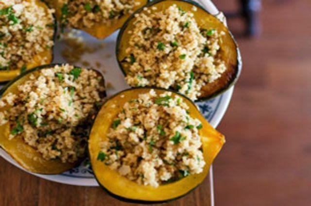 Abóbora recheada de quinoa