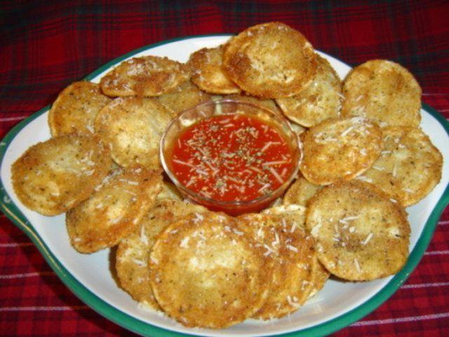 Raviólis fritos empanados