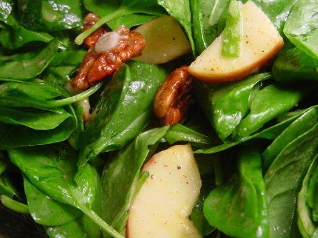 Salada de espinafre, maçã e nozes