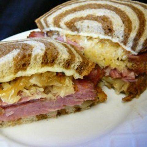 Sanduíche de carne e repolho