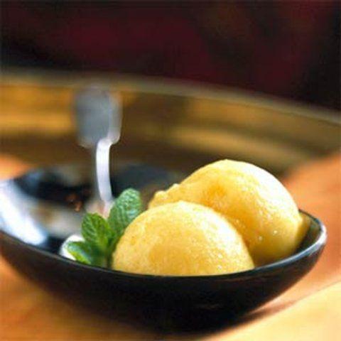 Sorvete de abacaxi fácil