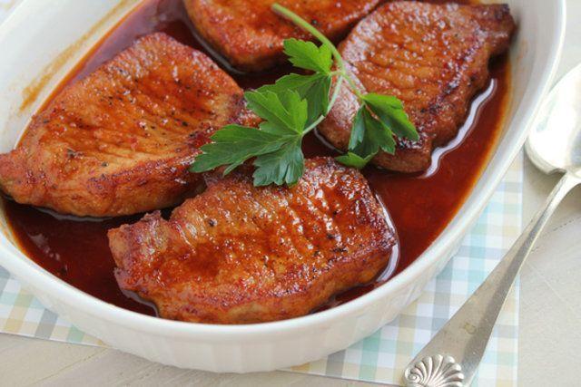 Costeletas de porco com mel e gengibre