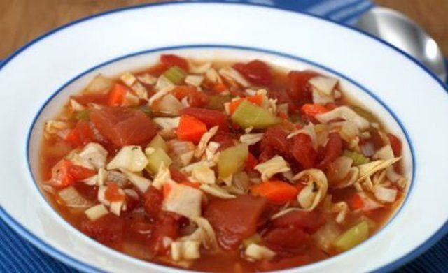 Sopa de repolho e vegetais