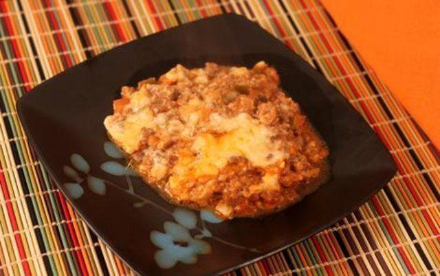 Carne moída assada com milho e queijo