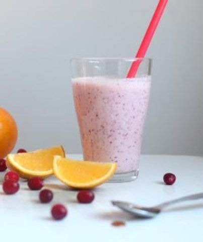 Smoothie de laranja e cranberries