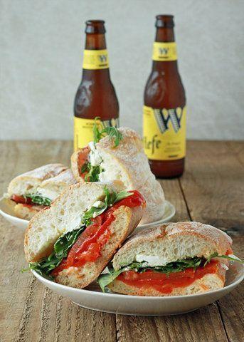 Sanduíche de pimenta e rúcula